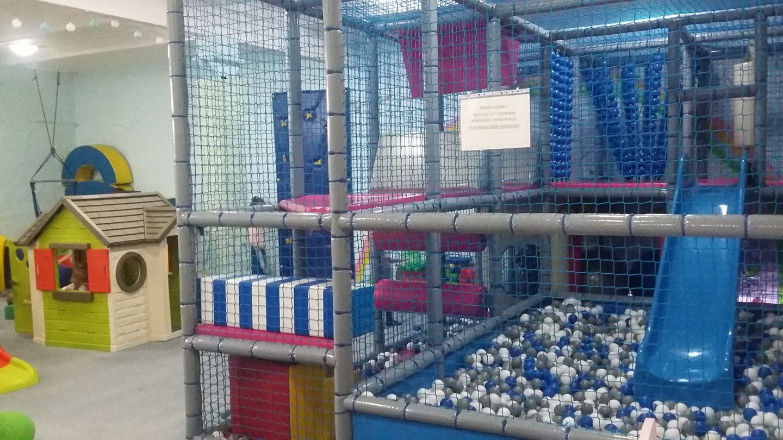 Edukacyjna sala zabaw Akuku